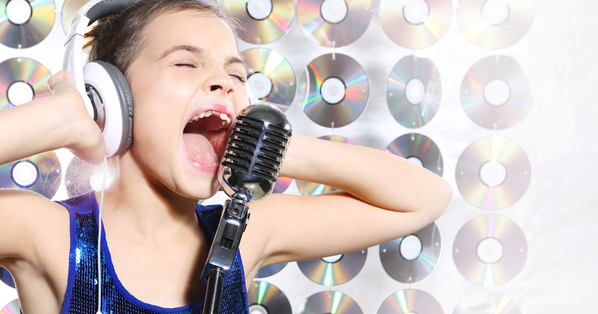 Yelling child singer