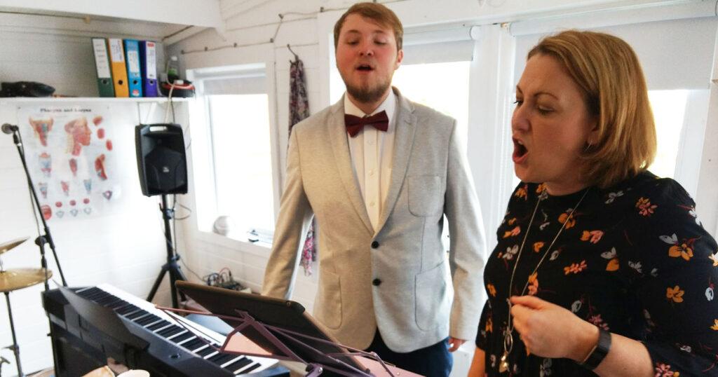 male singer upper register