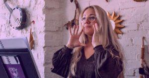 Gia Morgan holistic singing